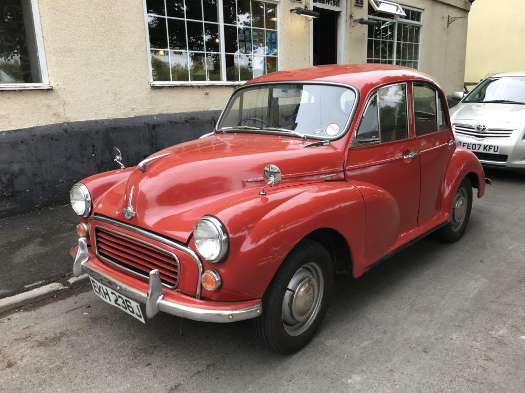 Morris Minor (Saloon)